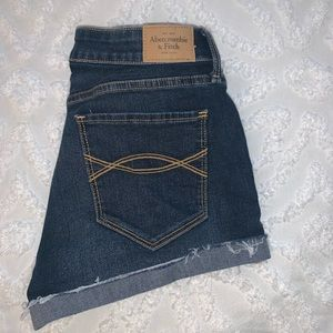 a + f mid rise jean short - size 2